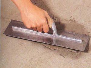 Заделывание трещин бетонной основы