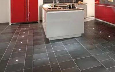 Как выбрать и положить напольную плитка на кухню