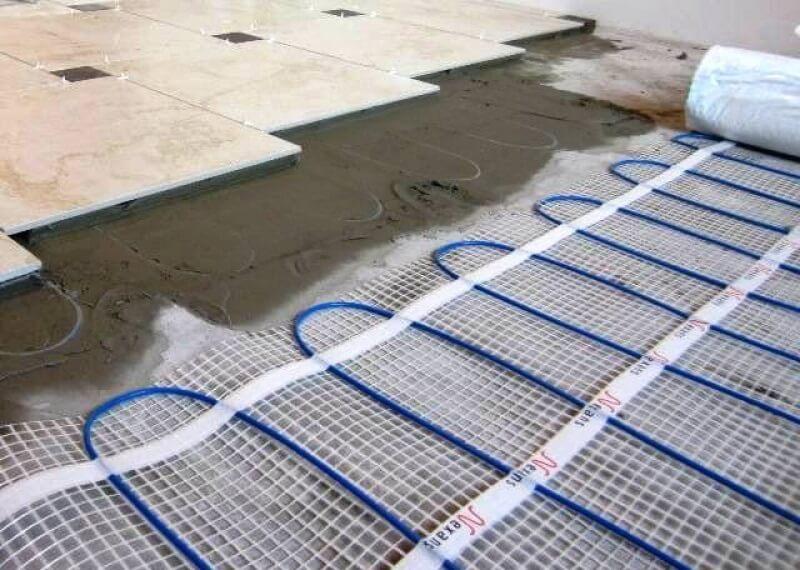 Вид напольного покрытия с прогревающими матами