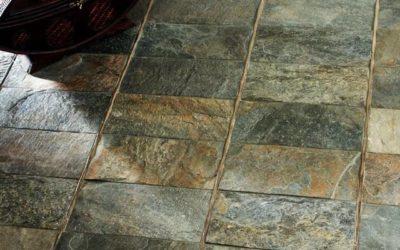 Плитка напольная под камень: когда керамика выигрывает соревнование