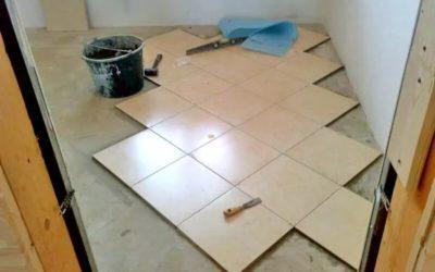 Как уложить плитку на пол по диагонали