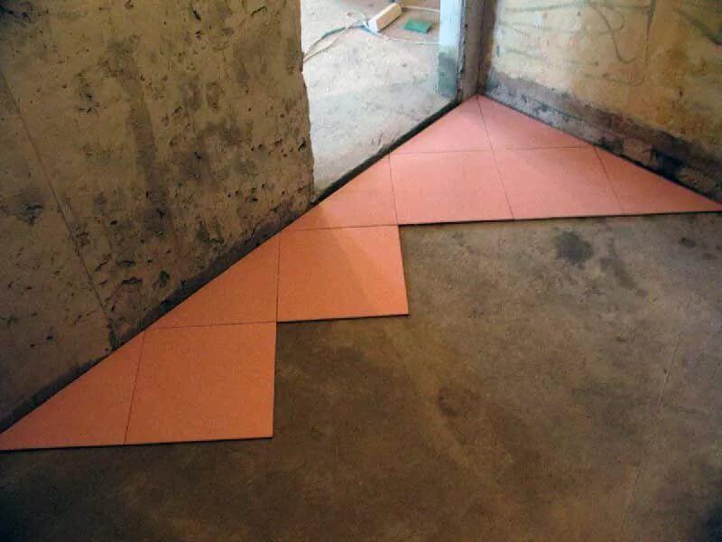 Укладка плитки по диагонали на пол. Как рассчитать сколько класть.